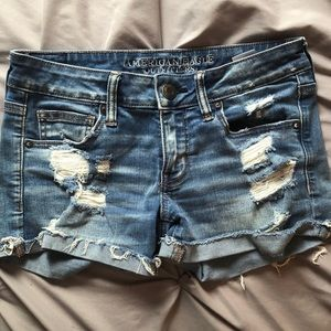 American Eagle low rise shorts size 6